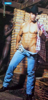 Ator Victor Wagner pelado na G Magazine