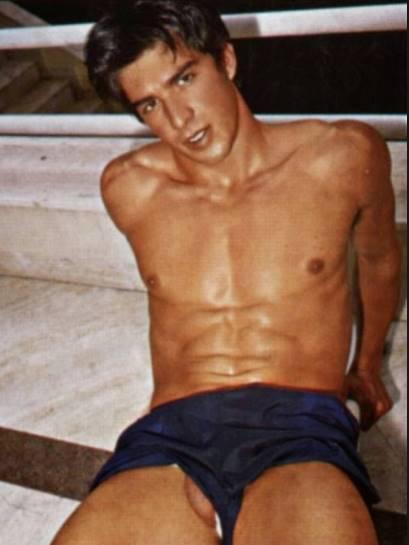 Fotos de Dimas Caetano nu em ensaio sensual