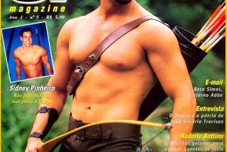Marcos Oliver pelado de pau duro em ensaio sensual