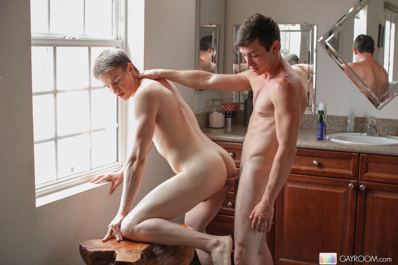 Xvideos gay amador entre dois novinhos safados